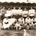 Alineación de pie: Pérez, Nato, Antonio Salvatierra, Ángel Salvatierra, Solica, Bustamante. Agachados: Cordón, Santos, Ormaza, Galindo, Chicho. Año 1973.